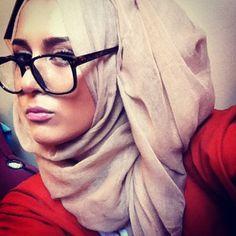 Dina tokio nice hijab with Geeky glasses - Hijab Style How To Wear Hijab, How To Wear Scarves, Hijab Fashion Inspiration, Style Inspiration, Dina Tokio, Cool Outfits, Fashion Outfits, Hijab Tutorial, Islamic Fashion