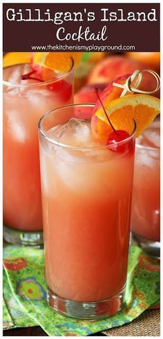 s Island Cocktail ~ Whether a fan of the show that inspired its name, or you just love sweet tropical cocktails - give this Gilligan s Island Cocktail a try. It s such a fun and fruity summer drink to sip on! Sangria Recipes, Drinks Alcohol Recipes, Cocktail Recipes, Punch Recipes, Fireball Recipes, Fast Recipes, Beach Drinks, Party Drinks, Beach Drink Recipes