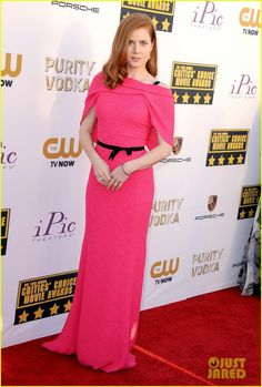 Can't always pair in Red hair with Pink, the new Spring IT color; but Amy Adams does it flawlessly in Roland Mouret