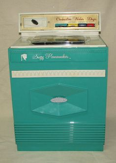 I had this!  Suzy Homemaker Washer!