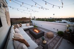 Liza Koshy's Urban Outdoor Oasis Makeover Rooftop patio goals! With bohemian vibes, string lights, and a DIY gate, this is the ultimate summer hosting spot! Rooftop Decor, Rooftop Terrace Design, Rooftop Patio, Patio Design, Backyard Patio, Outdoor Decor, Patio Stone, Flagstone Patio, Concrete Patio