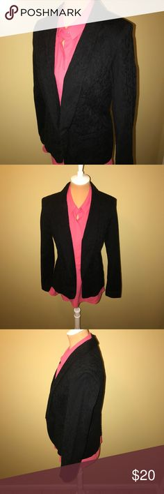 Lauren Conrad Black Floral Pattern Blazer Lauren Conrad Black Blazer. Blazer features a floral pattern and open front. Wear this to the office or out with jeans and your favorite tee! Pre-loved condition. No rips, tears or excessive wear. Comes from a smoke free, pet free home! LC Lauren Conrad Jackets & Coats Blazers