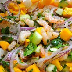 Ceviche de camarón y mango. | 16 Deliciosas recetas que te pondrán a comer ceviche sin parar