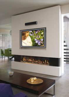 Wohnzimmer Wohnzimmer Home Deco contemporary fireplace design modernfireplaceideas Wohnzimmer Linear Fireplace, Home Fireplace, Living Room With Fireplace, Fireplace Ideas, Fireplace Outdoor, Fireplace Drawing, Fireplace Kitchen, Fireplace Bookshelves, Home Decor Ideas