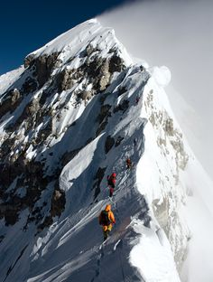 Mt Everest....oooh Someday to be able to see this sight...(makes my feet sweat)
