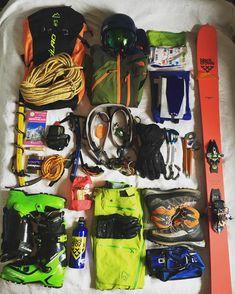 Ready to #chamonix ❄️☀️ #mountains #montagne #alpes #alps #freeride #skimo #explore #blackcrows #ski #summit #montblanc #freeski…