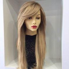 1000 id es sur le th me frange sur le c t sur pinterest perruques franges et cheveux - Frange degradee sur le cote ...