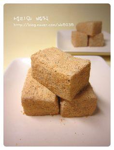 Asian Desserts, Rice Cakes, Korean Food, Cornbread, Banana Bread, Dessert Recipes, Sweets, Breakfast, Ethnic Recipes