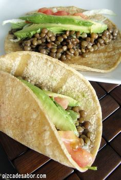 Tacos de lentejas :: Lentils substitute for meat (carne) in these tacos. Veggie Recipes, Mexican Food Recipes, Vegetarian Recipes, Healthy Recipes, Healthy Cooking, Healthy Snacks, Cooking Recipes, Deli Food, I Love Food