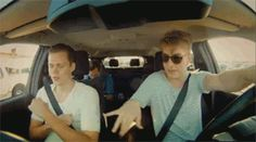 20 Songs Everyone Loves To Belt Out In The Car