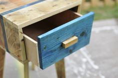 Creative Pallet Side Table   99 Pallets