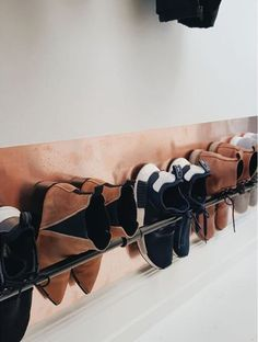 Clever Storage Ideas Gorgeous 35 Wall Mounted Shoe Storage Rack Ideas That Will Maximize Your Space Wall Mounted Shoe Storage, Shoe Storage Rack, Diy Shoe Rack, Wall Shoe Rack, Decoration Entree, Small Entry, Diy Garden Decor, Closet Organization, Mudroom