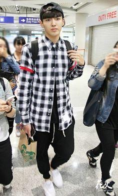 Kris [ Wu Yi Fan ]
