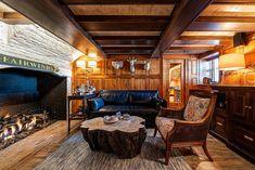 Quaint New England saltbox house with coastal charm on Nantucket Island Saltbox Houses, Nantucket Island, New England, Coastal, Deck, Front Porch, Decks