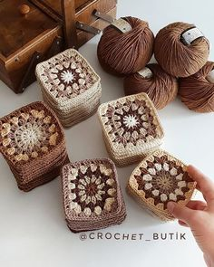 61 Best Ideas For Crochet Patterns For Beginners Blanket Cats Crochet - Diy Crafts - hadido Crochet Cat Pattern, Granny Square Crochet Pattern, Crochet Squares, Crochet Blanket Patterns, Crochet Motif, Crochet Flowers, Knitting Patterns, Crochet Sunflower, Manta Crochet