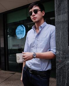 Look suave and tech-savvy with the #HuaweiWatch on your wrist.  #MakeitPossible #LiveHuawei #WearHuawei #StyleMeetsTech  (Source: @purveyr)