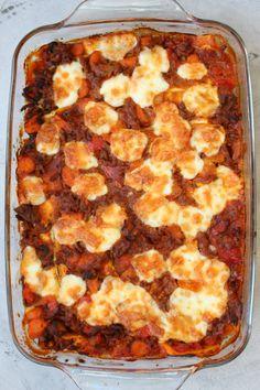 Groentelasagne (koolhydraatarm) - GezondGezin.nu Diet Dinner Recipes, Vegetarian Recipes, Snack Recipes, Healthy Diners, Low Carb Recipes, Healthy Recipes, Healthy Food, Tummy Yummy, Oven Dishes