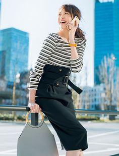 カジュアルなボーダーを会社で着こなす。タイトスカートできちんと感ある通勤コーデ