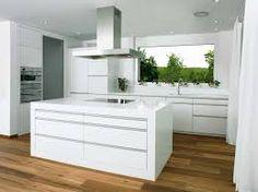 Weiße arbeitsplatte  weisse-kueche-weisse-arbeitsplatte-minimalistisch | Kitchens ...