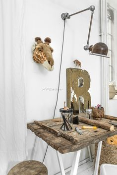 It's a Giraf Style with Wild and Soft Ruby head! The Style is all about the legs (Giraf kind of), natural materials, white and a . Distressed Desk, Natural Wood Decor, Bunny Room, Kid Desk, Home Comforts, Kid Spaces, Room Themes, Industrial, Decoration