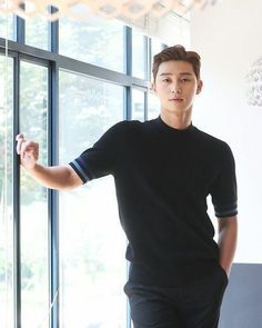 "Park Seo Joon Turkey FC on Instagram: ""Handsome 🖤 . . . . . . #박민영 #朴敏英 #パクミニョン #박서준 #김비서가왜그럴까 #김비서가왜그럴까 #이영준#김미소 #whysecretarykim #金秘書為何那樣 #whatswrongwithsecretarykim…"" Joon Park, Park Hyung, Korean Star, Korean Men, Asian Actors, Korean Actors, Korean Idols, Sung Joon, Ji Sung"