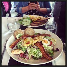 Lunch tijdens #werkoverleg met @elmaharmans... :-) #myview #eten #foodporn