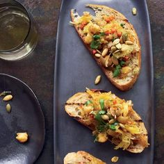 Vegetarian Thanksgiving Curried Spaghetti Squash and Chickpea Toasts Recipe and other recipes Vegetarian Thanksgiving, Thanksgiving Recipes, Fall Recipes, Family Thanksgiving, Thanksgiving Appetizers, Christmas Appetizers, Party Appetizers, Appetizer Recipes, Snack Recipes