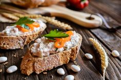 Vegetable bean spread with pepper, onion and parsley | Recepty.sk