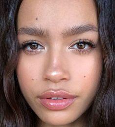 Textmarker Mascara Glanz Lipstiffen Eyeliner - Beauty Tips & Tricks Natural Glow Makeup, Glowy Makeup, No Eyeliner Makeup, Highlighter Makeup, Natural Makeup Looks, Makeup Light, Fresh Face Makeup, Maquillaje Glowy, Wedding Makeup Tips