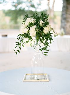 Wedding Planner: Mary Me Photographer: Kim Box Photography- Josh Moates Florist: Melissa Kendall Floral Design