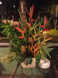 Arranjo com flores tropicais! Maceió, Al- Brasil