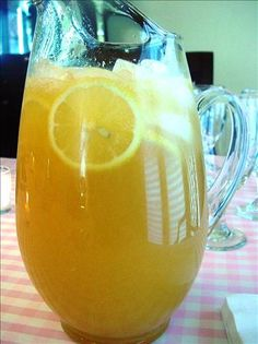Lemonade from : A combination of lemonade, pineapple, apricot and Ginger ale. Great non-alcoholic drink for your next Luau!Hawaiian Lemonade from : A combination of lemonade, pineapple, apricot and Ginger ale. Great non-alcoholic drink for your next Luau! Party Drinks, Cocktail Drinks, Fun Drinks, Beverages, Cocktails 2017, Bourbon Drinks, Ginger Ale, Refreshing Drinks, Summer Drinks
