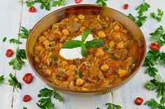 Harira, supa marocana cu carne de vita si naut - CAIETUL CU RETETE Penne, International Recipes, Chana Masala, Soups, Gluten Free, Ethnic Recipes, Food, Virginia, Mascarpone