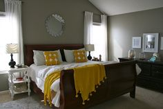 Engaging Yellow Gray Bedroom Curtains With Astounding Yellow Bedrooms Design Ide inspirationen Gelb Small Room Bedroom, Living Room Colors, Master Bedroom Update, Bedroom Styles, Yellow Bedroom, Woman Bedroom, Gray Bedroom, Bedroom Decor Design, Remodel Bedroom