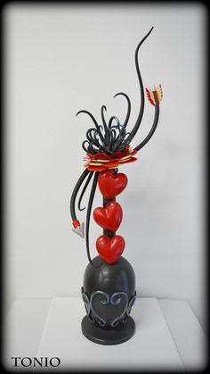 Chocolate Work, Divine Chocolate, Chocolate Flowers, Chocolate Hearts, Homemade Chocolate, Chocolate Showpiece, Bread Art, Valentines Day Chocolates, Chocolate Sculptures