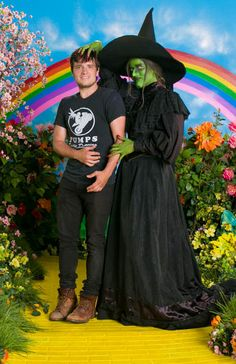 Josh Hutcherson at Cinespia outdoor movie theatre in Los Angeles I wish I could be Josh's Elphaba & he could play my Boq. Hunger Games Cast, Great Speakers, Josh Hutcherson, Perfect Boyfriend, Sam Claflin, Funny Pictures, Funny Pics, Hilarious, Liam Hemsworth