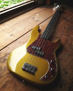 Fender Precision Bass, Fender Bass, Bass Guitars, Electric Guitars, Fendi, Custom Bass Guitar, Guitar Exercises, Types Of Guitar, Low End