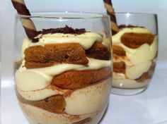 Tiramisu' Cups, one of my very favorite desserts ! Best Dessert Recipes, Fun Desserts, Sweet Recipes, Cake Recipes, Tiramisu Cups, Easy Tiramisu Recipe, Hungarian Recipes, Irish Recipes, How To Make Tiramisu