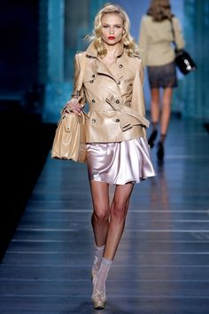 See the complete Christian Dior Spring 2010 Ready-to-Wear collection.
