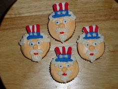 cute memorial day cupcake decoration