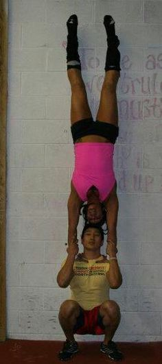 Handstand squats  ¤¤¤ JUST AnotheR DAY at the box!