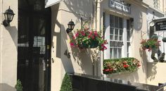 St George Hotel London Within 10 minutes' walk of central London's leafy Hyde Park, the family-run St George Hotel offers free WiFi, en-suite rooms, and continental breakfast. Paddington Tube Station is just a 3-minute walk away.