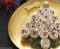 Albero di Natale di tartine al salmone, antipasto di Natale
