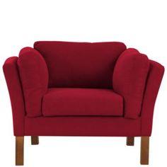 Wer einmal auf dem Parlando-#Sessel Platz genommen hat, wird nur noch über eines sprechen: das Erlebnis höchsten Sitzkomforts. Denn der moderne Sessel mit den hohen Armlehnen ist von allen Seiten top gepolstert, angenehm weich und wirklich sehr bequem. Da könnte man doch fast vergessen, sein gutes Aussehen (mit Einschlägen von skandinavischem Design!) zu erwähnen.
