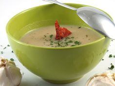 Supa de usturoi Cantaloupe, Cooking Recipes, Pudding, Desserts, Soups, Food, Tailgate Desserts, Deserts, Chef Recipes