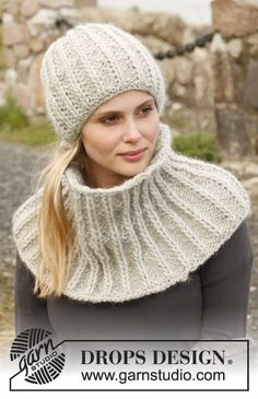 """Knitted DROPS hat and neck warmer with false English rib - with double sts in """"Eskimo"""". Free pattern by DROPS Design."""