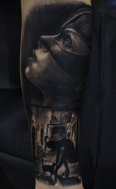 TATTOO REALISTICI, realism, black & grey, catwoman