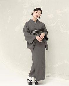 Kimono Japan, Kimono Fabric, Silk Brocade, Japanese Outfits, Yukata, Single Women, Japanese Girl, Normcore, Feminine