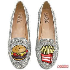 漢堡和薯條成了CHIARA FERRAGNI鞋子上的主角。8950元