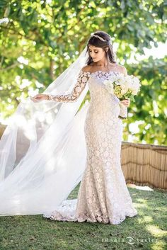 Estilistas de vestidos de noiva - Atelier Carol Hungria. Fotos de vestidos de noiva, coleções, preços, tendências, horários, endereço, telef...